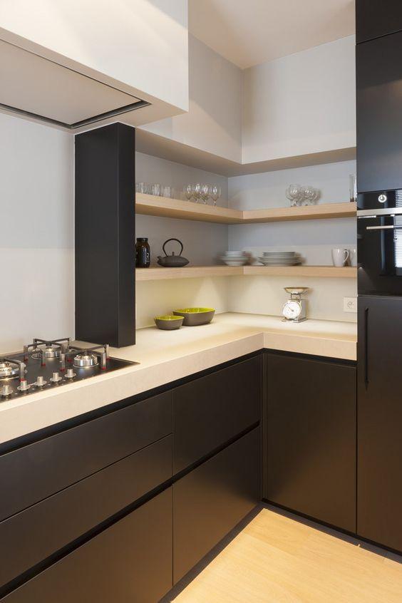 juoda_balta_virtuve_1