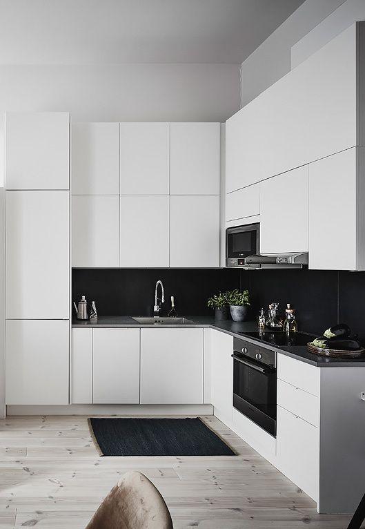 juoda_balta_virtuve_2