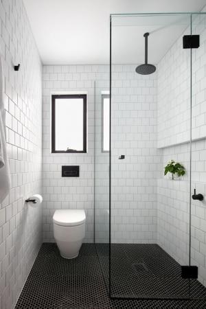 skandinaviskas_minimalistinis_stilius_vonioje_4